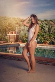 Rocio-hecho-con-amor-juan-almagro-fotografos-jaen-exteriores-piscina-4