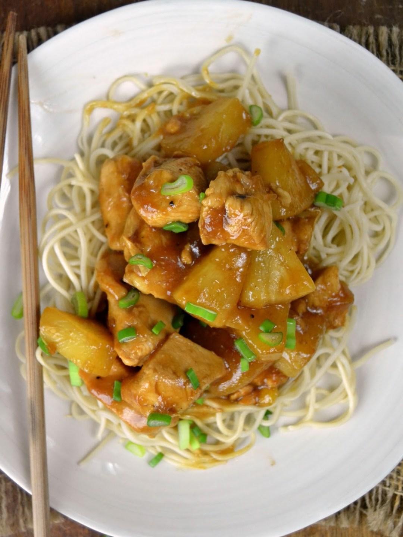 Pollo con piña estilo asiático