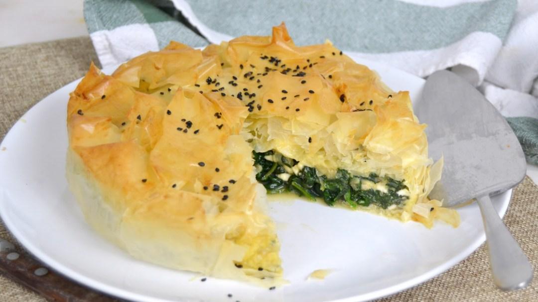 Pastel de espinacas y queso con masa filo