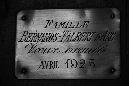 O túmulo da família Bernanos-Talber D'Arc.