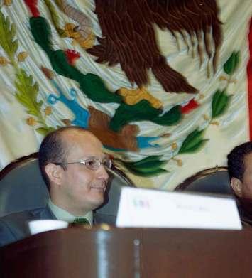 juan-chia-camara-de-diputados-3 Discriminación