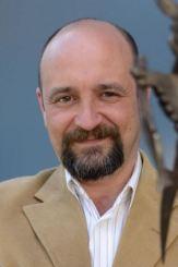 escritor Carlos Sisí