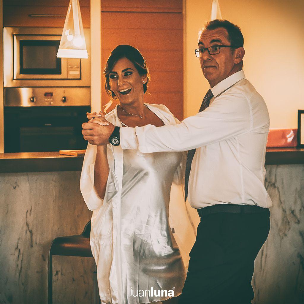Fotografía de preparacion de novia en la boda de Mariela y Morten