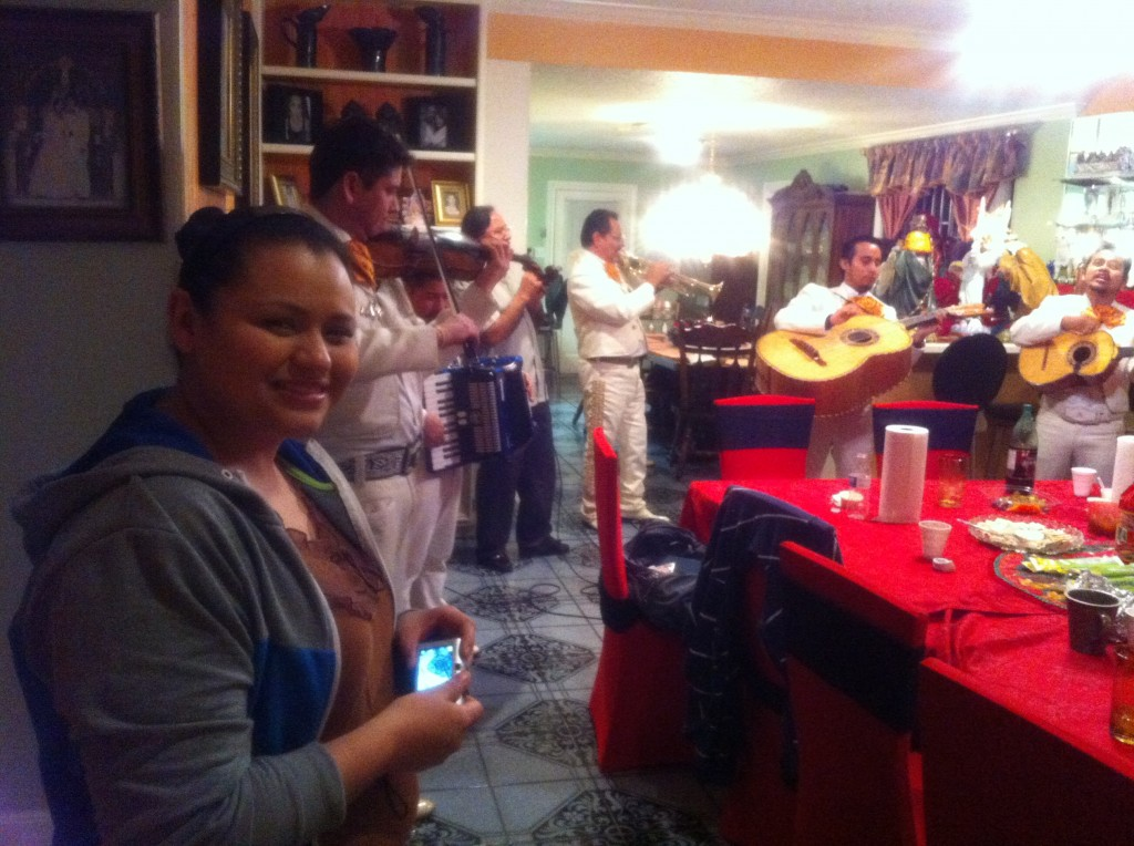 Texas Posadas: Familia, Friends & Villancicos for Christmas!