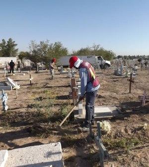 Preparan Cementerios Para Día de Muertos