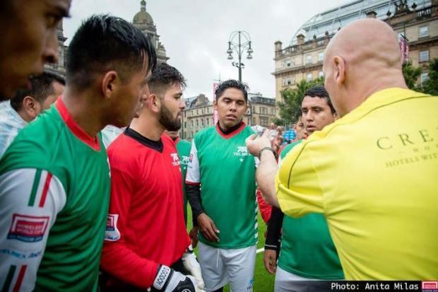 mexico street soccer