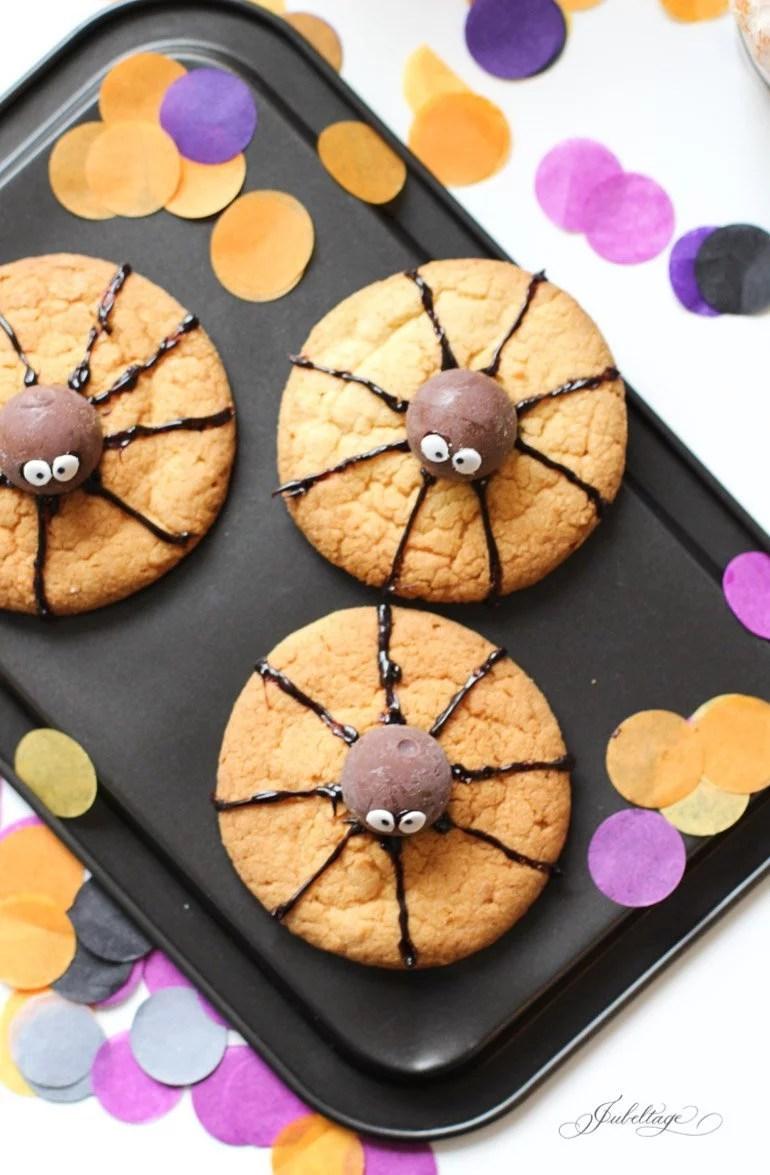 Spinnen-Kekse: Tolle Rezepte & Ideen für eine Halloween Party für Kinder oder Erwachsene
