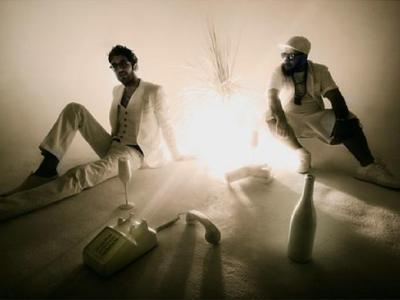 chromeo-feat-solange-knowles-when-the-night-falls