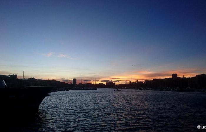 Coucher de soleil sur le Vieux Port