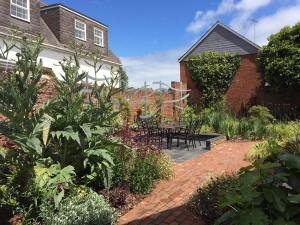 Judy Cole Garden Design - Walled Seaside Garden