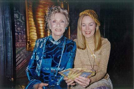 Academy Awards Party. Judy Hevenly reads Oscar winner Cloris Leachman