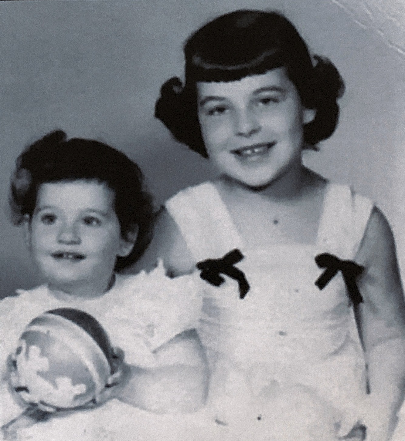 Linda and Donna just before the accident, 1952. The last picture of them together