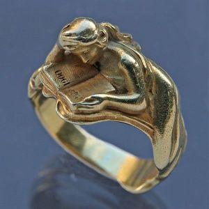 Art Nouveau ring, c. 1900.