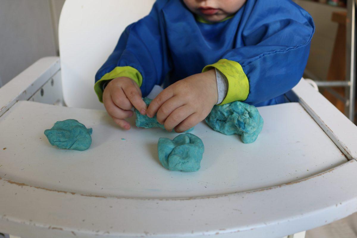 Spelen met DIY klei