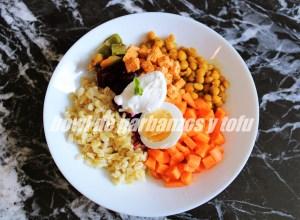 Bowl De Garbanzos Y Tofu