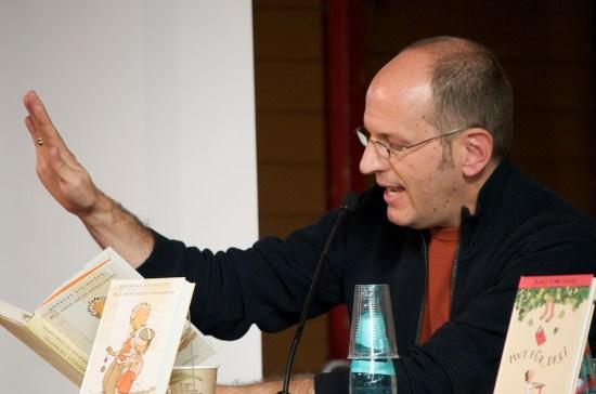 """Andreas Steinhöfel liest aus \""""Rico, Oskar und die Tieferschatten\""""."""