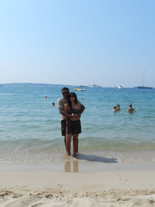 K&I at the beach in Cannes