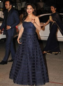 madhuri-dress-filmfare-awards-2015
