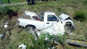 camioneta volcada en palpala1
