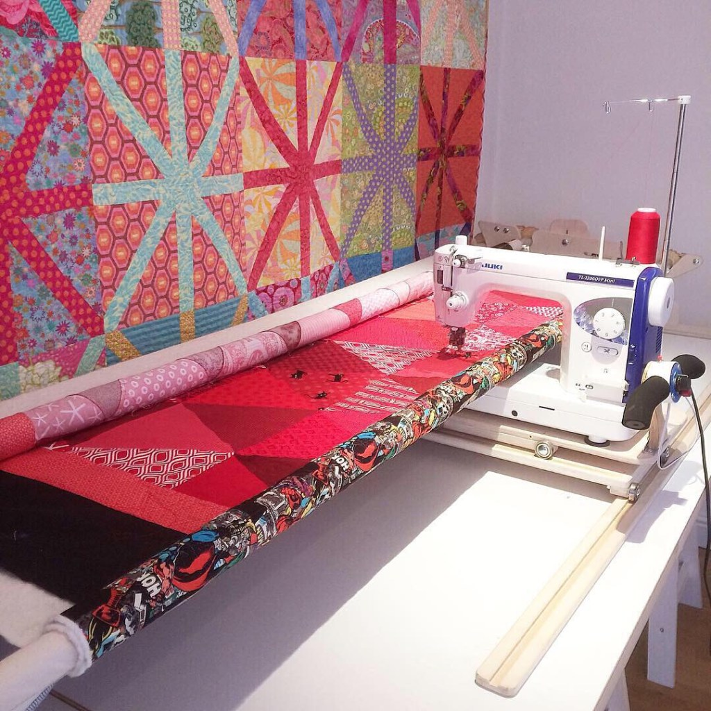quilting the red triangle quilt