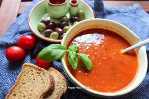Rezept für leckere Tomatensuppe aus gerösteten Tomaten