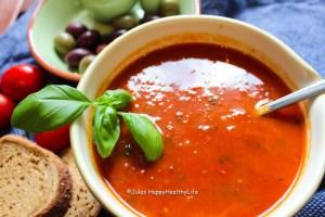 Veganes Rezept für leckere Tomatensuppe aus gerösteten Tomaten