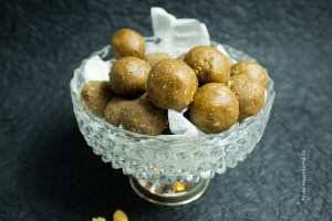 Sweets & Snacks - Peanut Butter Protein Bliss Balls vegan, gluten free - Jules HappyHealthyLife
