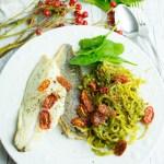 Steckrüben Spaghetti mit veganem Pesto und Doradenfilets - Jules HappyHealthyLife
