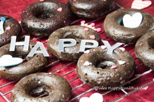 Rezept für glutenfreie, gebackene Schoko Donuts mit Zuckeglasur