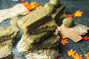 Wunderbarer Snack für zwischen durch - Matcha Riegel mit gekeimtem Hanf