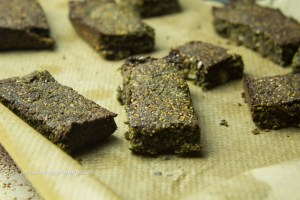 Vegan, gluten-free Matcha Sprouted Hemp Bars