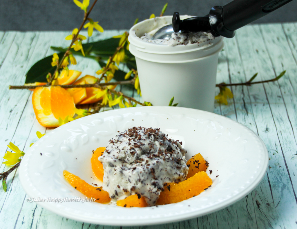 Rezept für glutenfreie, vegane Tonka Bohnen Stracciatella Eiscreme