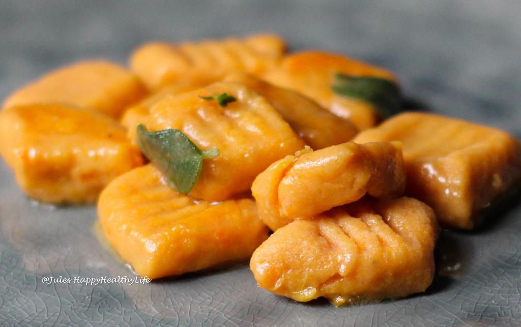 Salbeibutter passt wunderbar zu Süßkartoffel Gnocchi