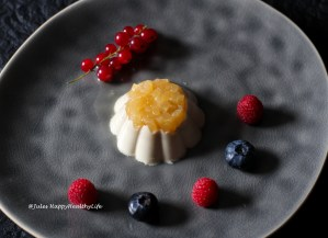 Recipe for Chamomile Panna Cotta with Gewürztraminer Apple
