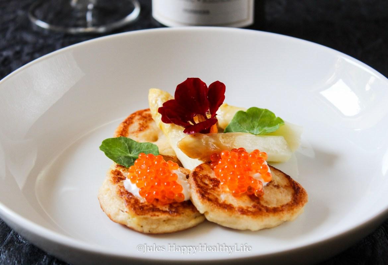 Wunderbare Vorspeise - Blumenkohl Blinis mit Lachs Kaviar