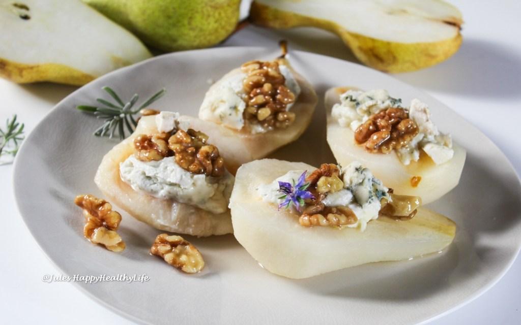 Französische Küche - Birnen gefüllt mit Roquefort gefüllt und Lavendelhonig Walnüssen