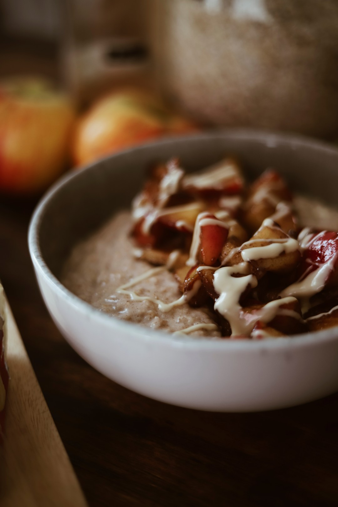 Bratapfel Porridge Bowl