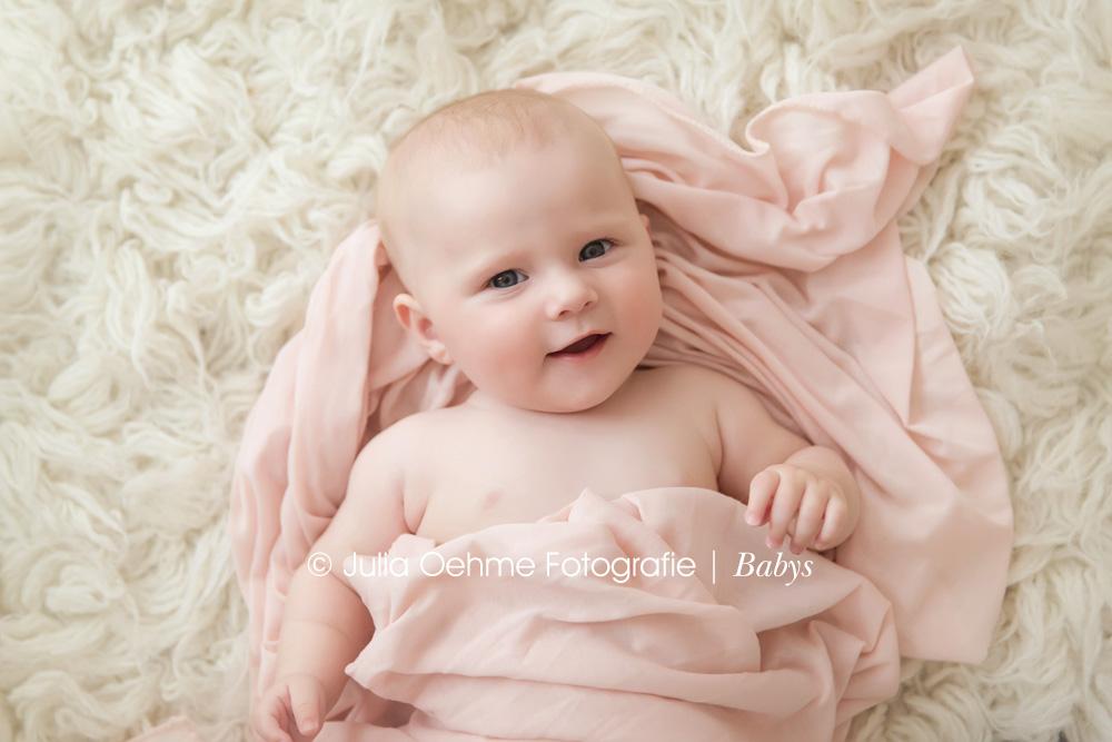 Zuckerse Babybilder in Leipzig  Leonore  4 Monate