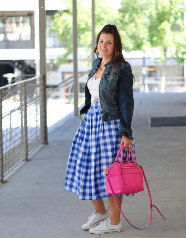 How to Style a Midi Skirt. 1 Skirt worn 5 ways.