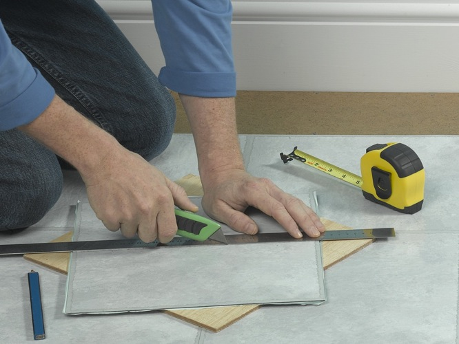 Julian Cassell's DIY Blog » Blog Archive Laying vinyl tiles 6 - Julian Cassell's DIY Blog - HOW TO DIY – WHAT TO USE – WHERE TO BUY