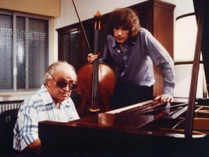 Joaquin Rodrigo with Julian Lloyd Webber (copyright applies)