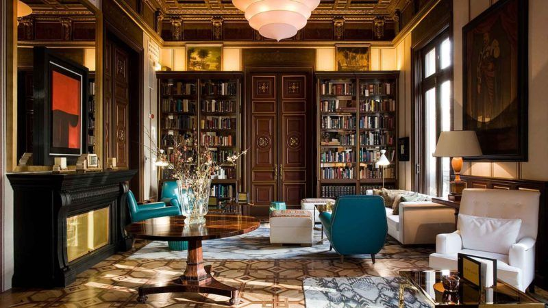 Biblioteca del Cotton House Hotel