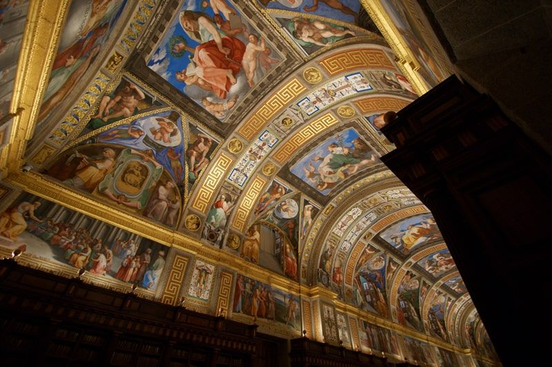 Bóveda con pinturas al fresco en la Real Biblioteca del Monasterio de San Lorenzo de El Escorial