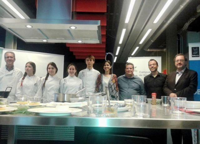 Cocinas del Mundo en la Biblioteca Fondo en Santa Coloma de Gramenet