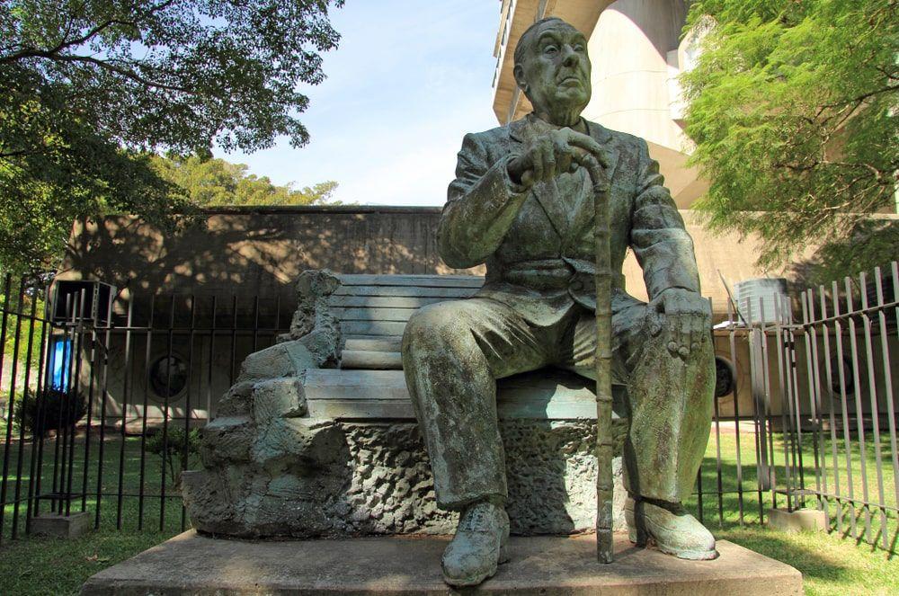 El libro es el instrumento más asombroso porque es una extensión de la memoria y de la imaginación, Jorges Luis Borges