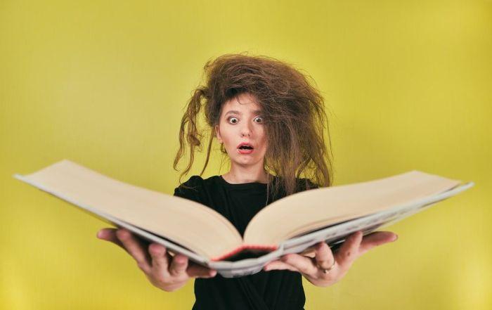Es dura la vida de los libros y otros materiales de las bibliotecas