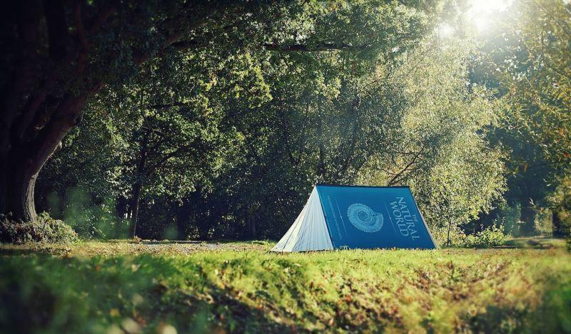 FieldCandy tienda de acampada con forma de libro