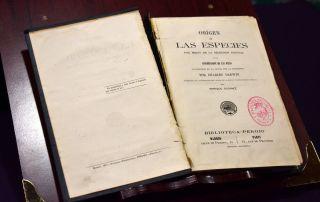 Libro «Origen de las especies» de Charles Darwing que iba a ser subastado en internet