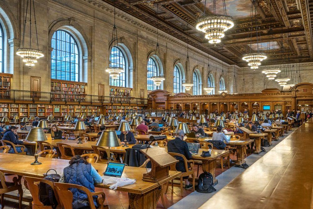 Sarah Jessica Parker sale en defensa de las bibliotecas públicas y anima a que todas las personas también lo hagan