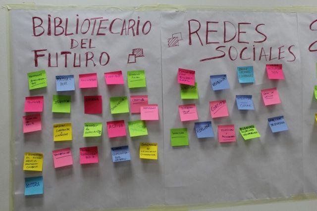 Bibliotecario del futuro y redes sociales (CC @tabakalera)